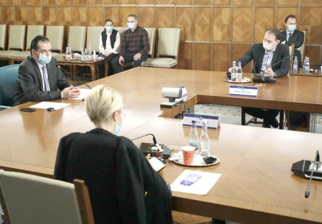 Cabinetul Orban a adoptat, în dimineața de 18 mai, Hotărârea de Guvern cu  interdicțiile ce vor fi instituite în baza Legii nr. 55/2020 privind starea de alertă,  în perioada 18 mai – 18 iunie.