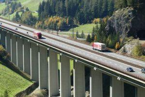 autostrada_brennero_viadotto_alto_camion