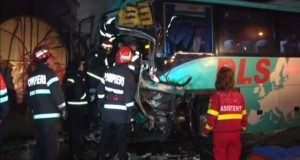 accident-autobuz-smurd