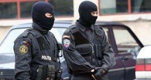 perchezitii-mascati-politia1